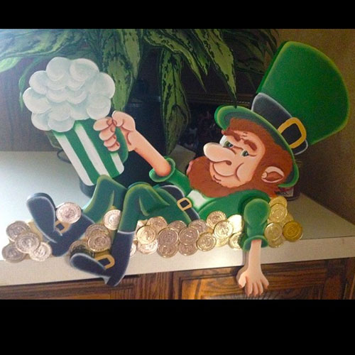 Leprechaun Celebrating - Themed Rentals - Leprechaun decorations for bar or saloon