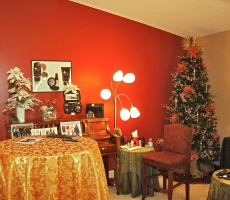 Promoting Products during Christmas - Idea Gallery - Quiet Waters Salon Holiday Decorations