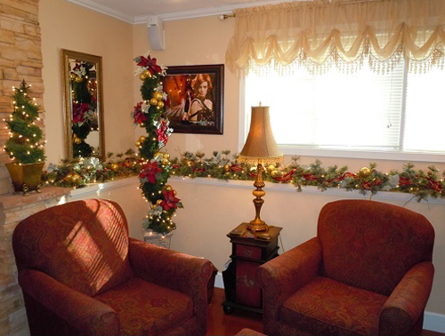 Decorate Small Spaces - Idea Gallery - Christmas topiary trees decorations for small spaces